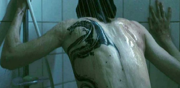 a-tetovalt-lany